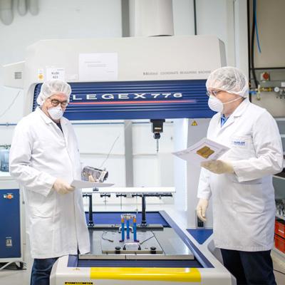 Kugler Salem Ultrapräzision und Mikrobearbeitung Ingenieurteam